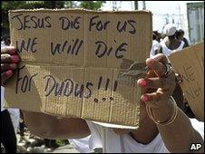 """Jamaicans rally in support of Christopher """"Dudus"""" Coke (20 May)"""