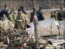 Russian security forces at scene of Polish president's plane crash