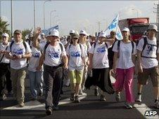 Members of the Shalit family walk from northern Israel to Jerusalem (1 July 2010)