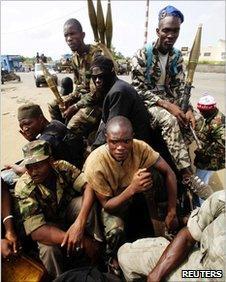 Soldiers loyal to Alassane Ouattara in Abidjan on 6 April 2011