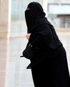 Fully-veiled Saudi woman in Riyadh on 19 November 2012