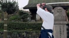 يتطلب صنع كل سيف ساموراي أشهرا من العمل اليدوي وتبلغ تكلفته 2500 دولار.