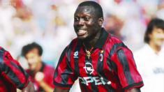 جورج ويا، كان لاعب كرة قدم عالمي واليوم أصبح رئيس ليبيريا. ولد في حي فقير ولعب كرة القدم منذ أيام المراهقة، ثم ذهب إلى أوروبا ولعب في صفوف أندية مختلفة وحصد الألقاب.