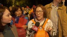 Cử tri Đài Loan chia sẻ quan điểm của họ với phỏng vấn phóng viên BBC News Tiếng Việt (bìa trái)