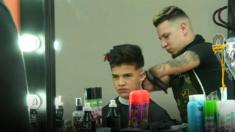 Gabriel Heredia - who born without forearms - cuts hair