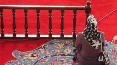 امرأة مسلمة داخل أحد المساجد في اسطنبول