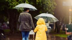 people-walking-in-the-rain.