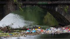 Plastic-pollution-in-the-rivers-and-canals-in-England-and-Wales