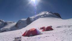 Scientific camp on the glacier