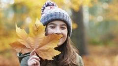 Girls with a leaf