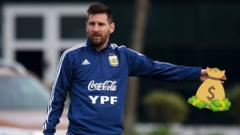 messi with money