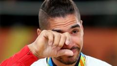 Louis-Smith-Crying