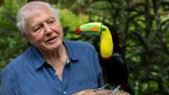 David-Attenborough-bird.
