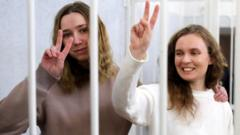 Katerina Andreyeva (R) and Daria Chultsova in court, 18 Feb 21