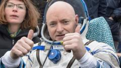 Astronaut Scott Kelly returns home after a year in space