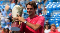 Roger Federer with Cincinnati Masters trophy