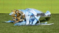 Premier-League-trophy.