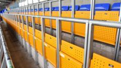 Safe-standing-rails