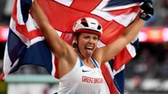 Hannah-Cockroft-with-the-GB-flag