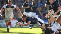 Duncan Weir scoring a try