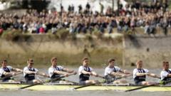 Rowers with audience