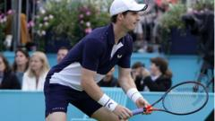 Andy-Murray-playing-at-Queen's