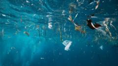 rubbish-in-ocean.