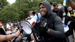john-boyega-at-protest.