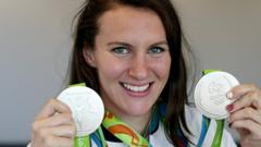 Jazz Carlin with silver medals