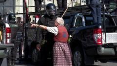 Nina Baginskaya confronts Belarus police