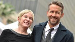 Ryan-Reynolds-and-his-mum-Tammy.