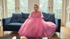 Villanelle in the pink dress