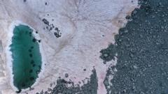 Pink-snow-in-Alps.