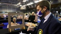 votes-being-counted-in-Scotland.