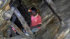 File photo: A Congolese miner works at an artisanal gold mine near Kamituga in the east of the Democratic Republic of Congo, August 1, 2018