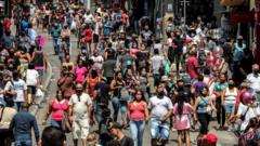 Streets of São Paulo, busy with crowds