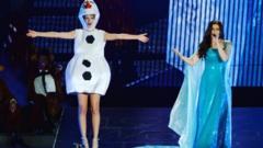 Taylor Swift and Idina Menzel