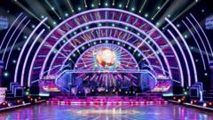 strictly-stage.