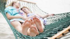Girls-asleep-in-hammock.