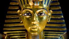 Tutankhamun-mask.