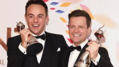 ant-and-dec-holding-awards