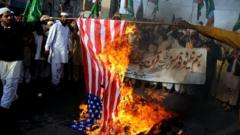 Islamists set fire to American flag during protest