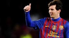 Lionel Messi giving thumbs up