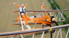 Rose and Flame break the wing walking record