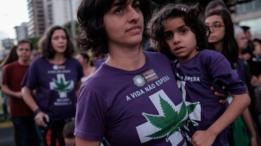 Passeata pró-maconha medicinal no Rio de Janeiro em 2015