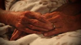 Close das mãos de Norma