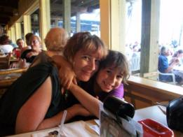 Shira Schiller e seu filho Max