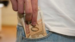 Com governo mais endividado, como apontou o FMI, juros aumentam para os brasileiros