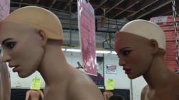Bonecas da Real Dolls prontas para serem personalizadas de acordo com o gosto do cliente