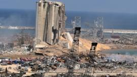 انفجار بيروت: فرق الإنقاذ تبحث عن عشرات المفقودين تحت الأنقاض